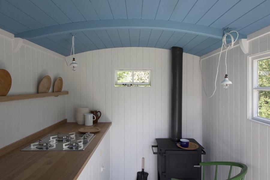 british-standard-plain-kitchen-2