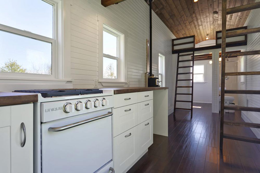 Stupendous The Loft Tiny House Swoon Largest Home Design Picture Inspirations Pitcheantrous