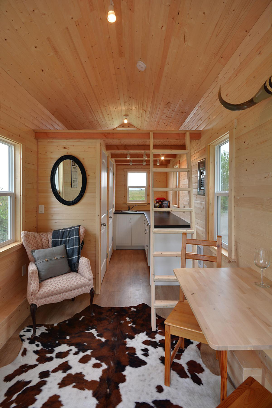 Cabin in the woods tiny house swoon for Small livable cabins