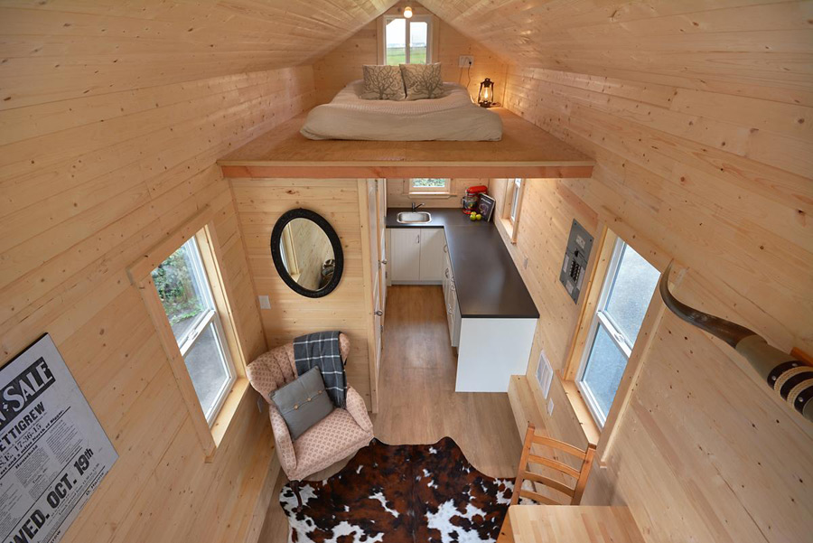 cabin-in-the-woods-tiny-living-8