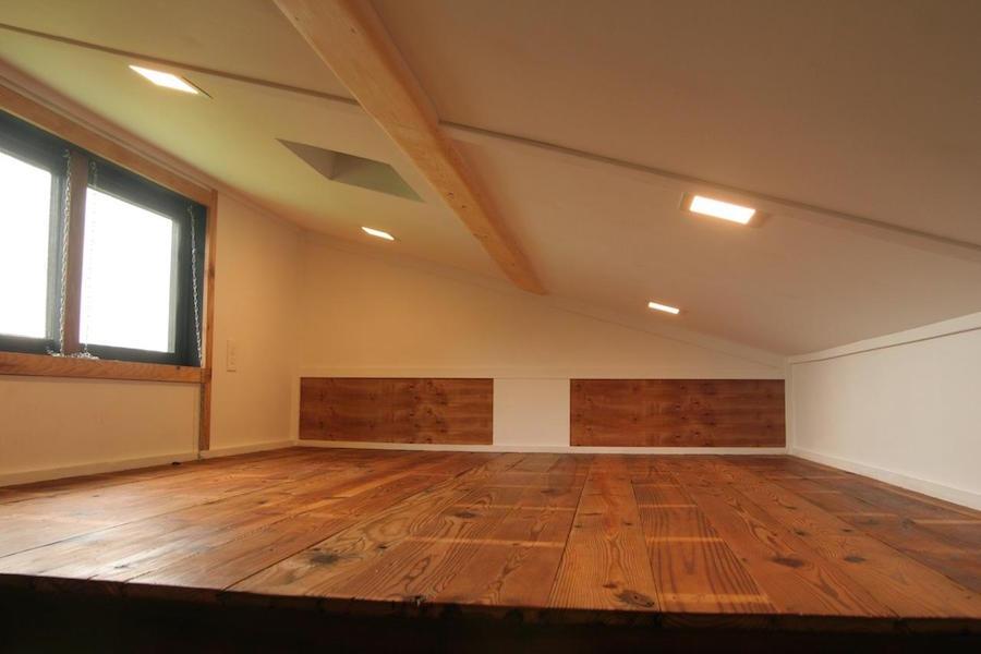 tiny-oakhurst-farmhouse-13