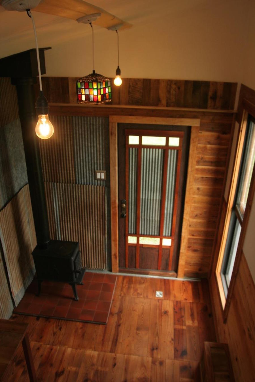 tiny-oakhurst-farmhouse-4