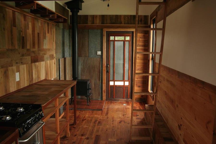 tiny-oakhurst-farmhouse-5