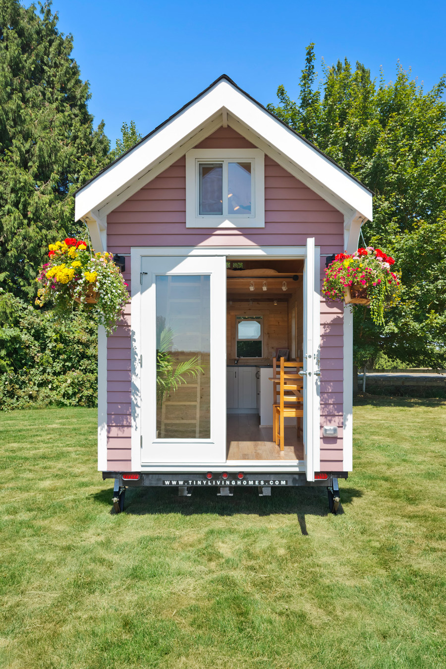 tiny pink house tiny house swoon. Black Bedroom Furniture Sets. Home Design Ideas