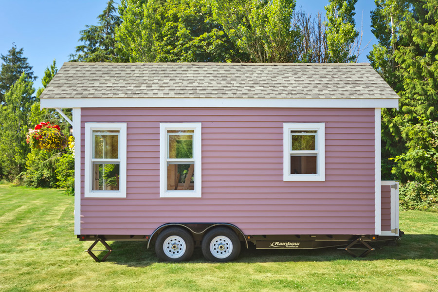 tiny-pink-home-tiny-living-homes-17
