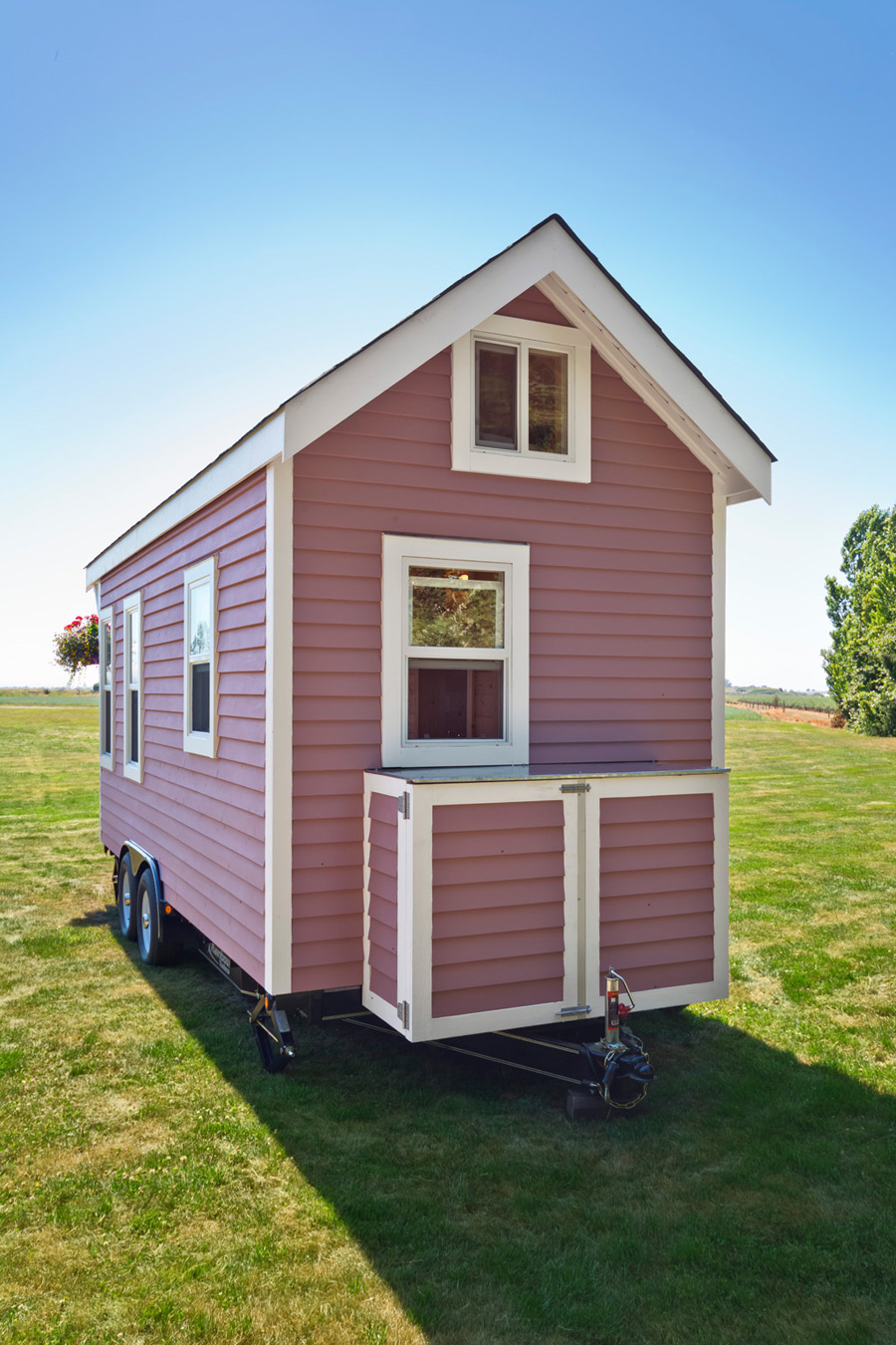 tiny-pink-home-tiny-living-homes-18