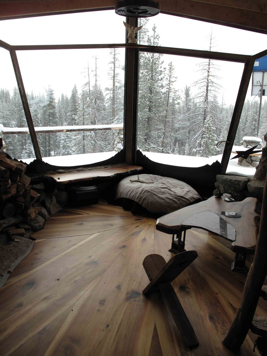 truckee-off-grid-cabin-3
