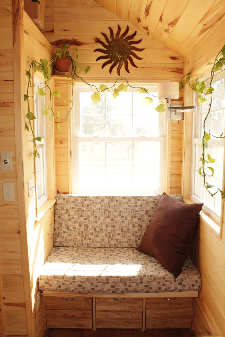 erin-and-dondis-tiny-house-3