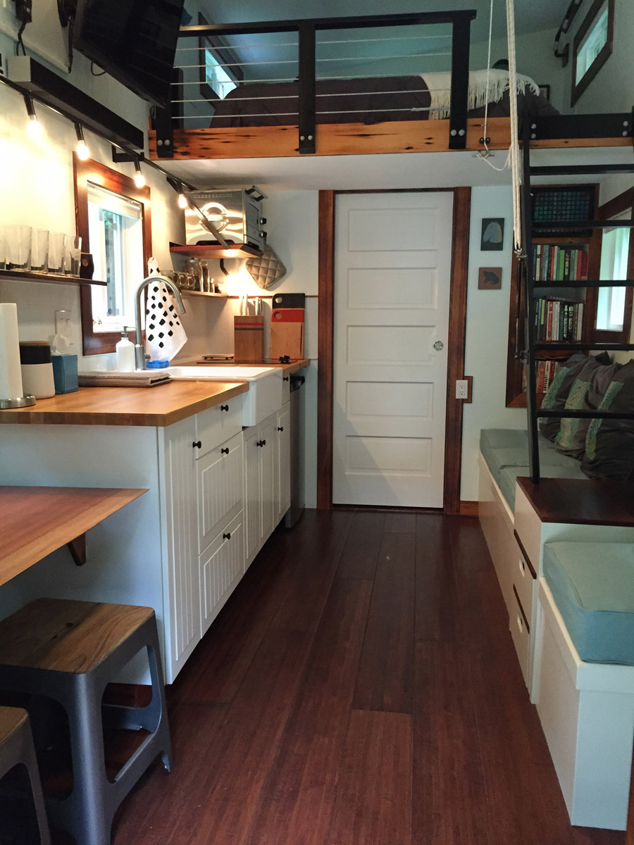 Guemes island tiny house tiny house swoon for Two bedroom tiny home