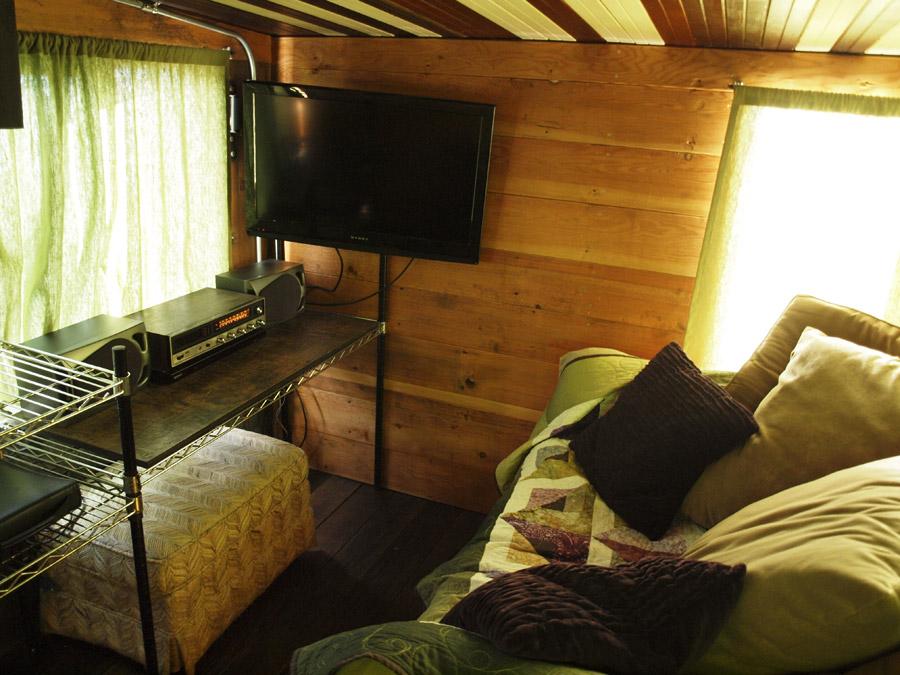 the-firebird-tiny-house-tiny-house-hotel-8