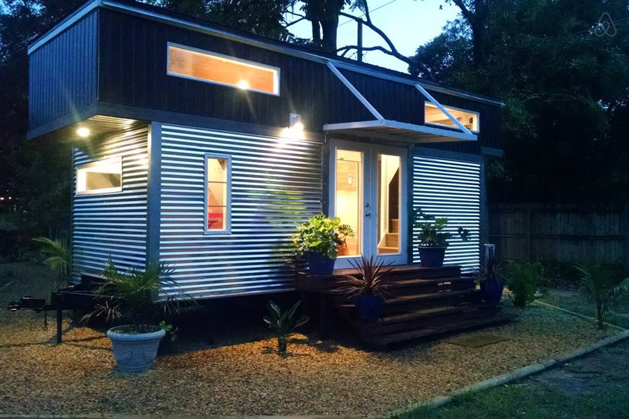 Alex and rosa s tiny house tiny house swoon - The modern tiny house ...