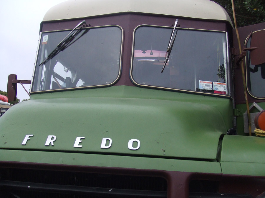 fredo-school-house-bus-bedford-7