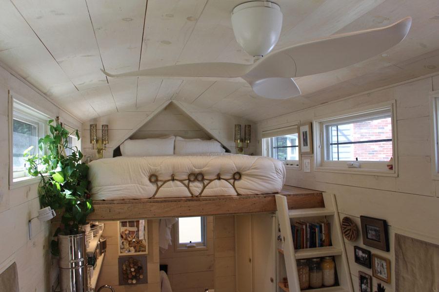 tiny-hall-house-9