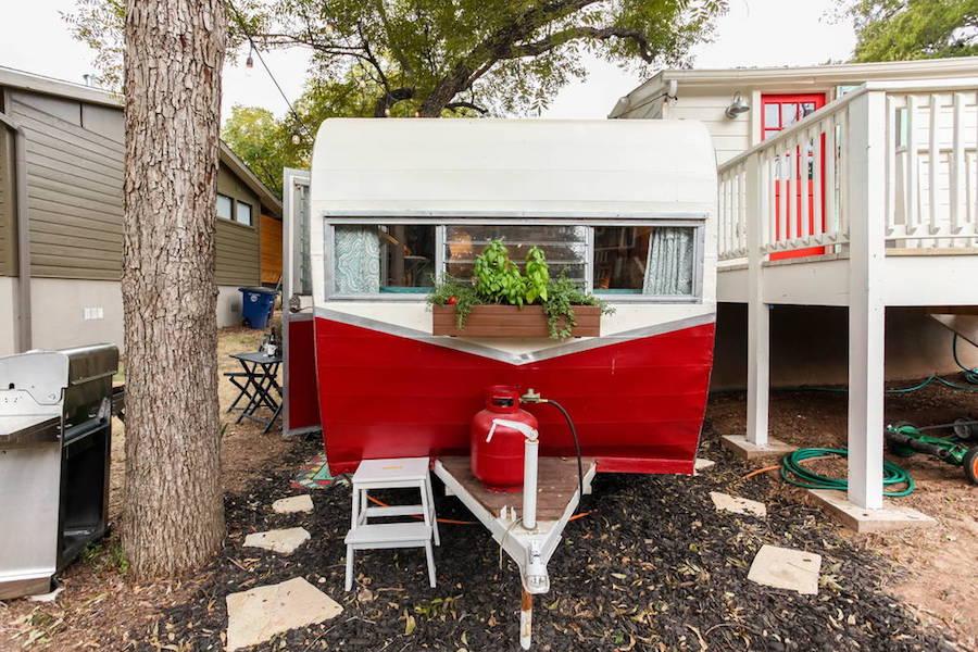 motel-camper-11