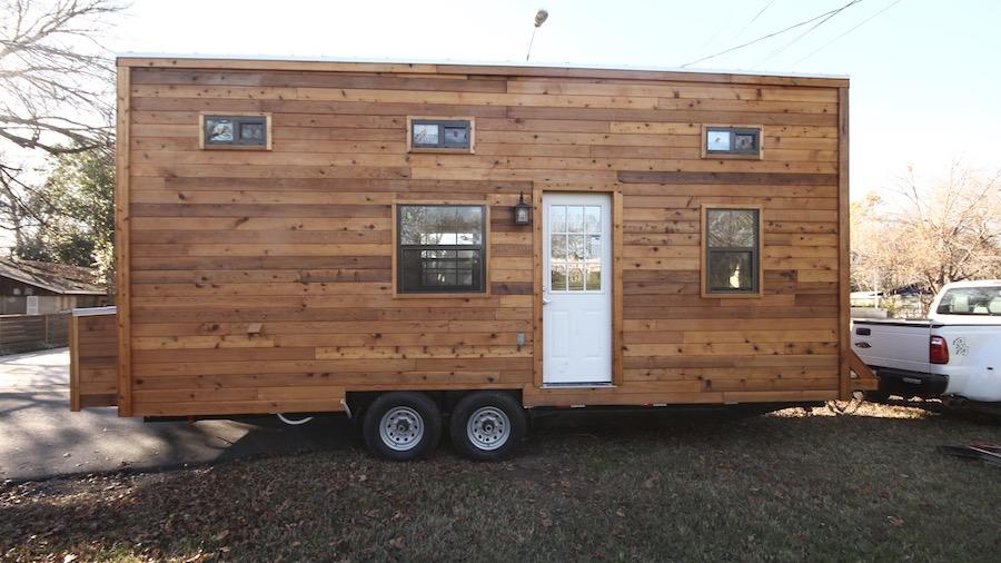 nomadic-tiny-house-1