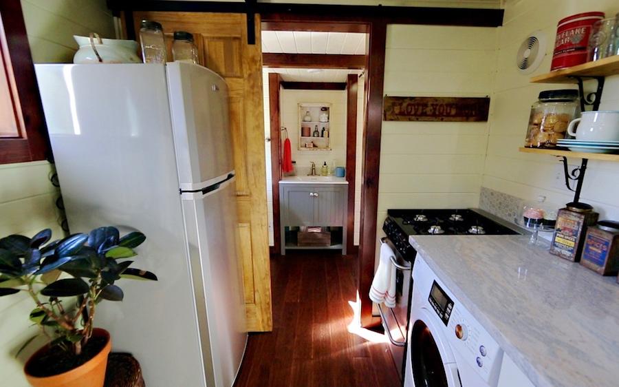 victorian-tiny-house-7