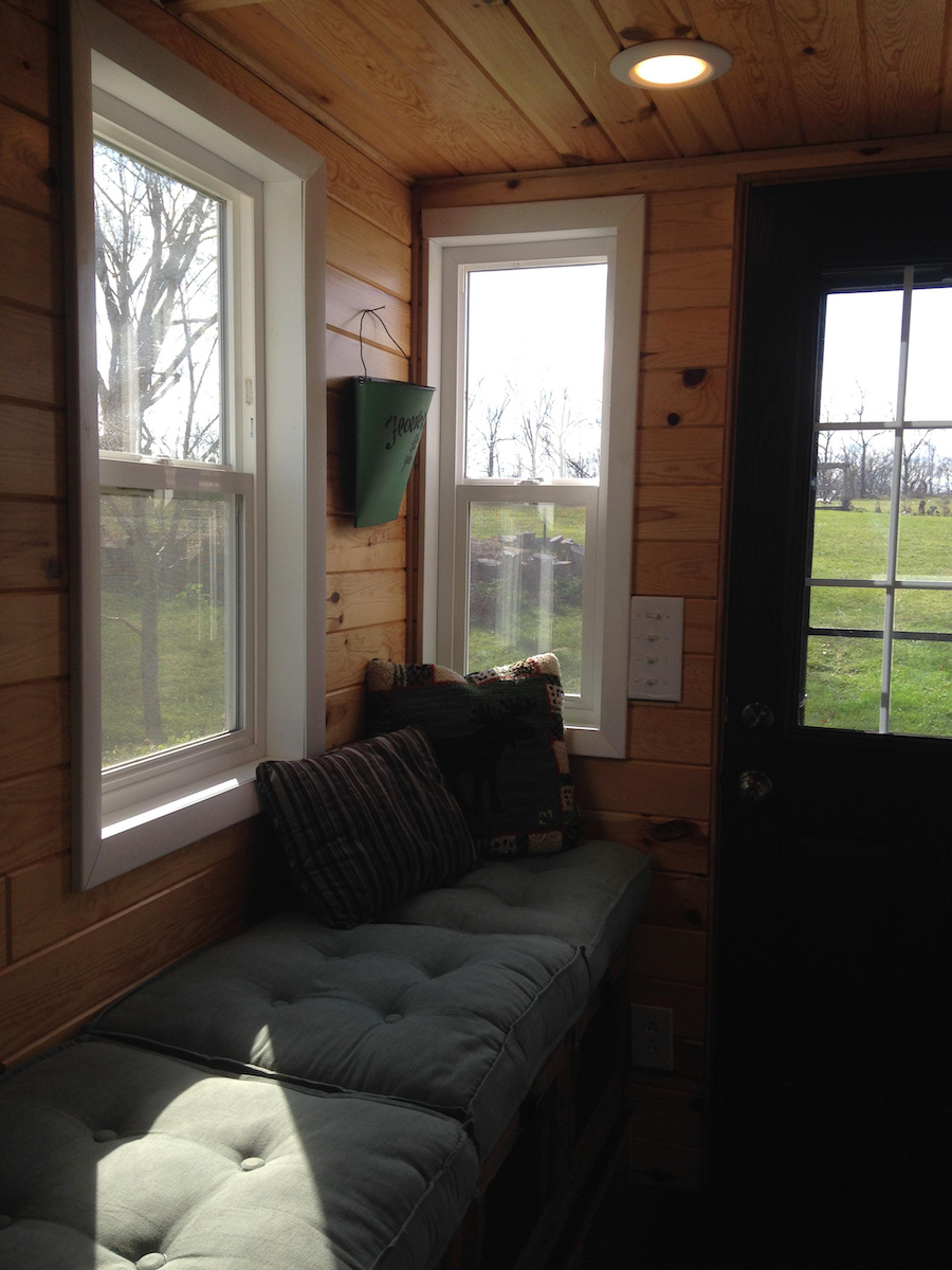 whitmore-lake-tiny-house-10