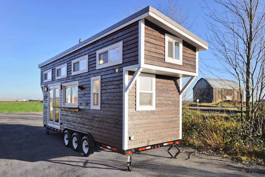custom-tiny-living-home-16