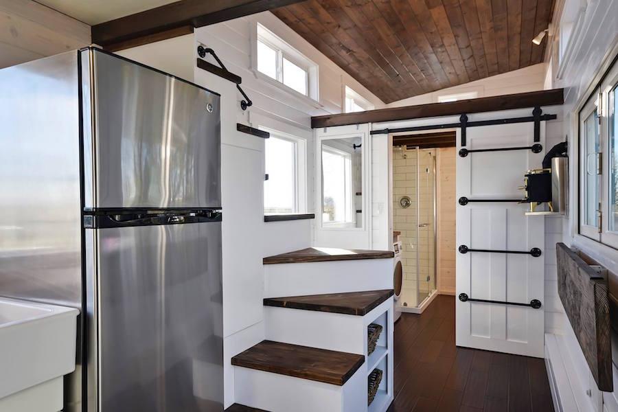 custom-tiny-living-home-7
