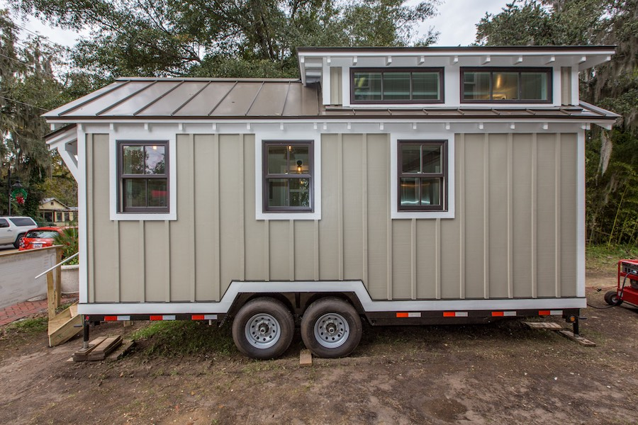 tiny-home-for-flood-victims-1