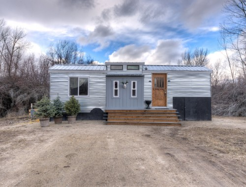 lewis-and-clarks-tiny-house-montana-1