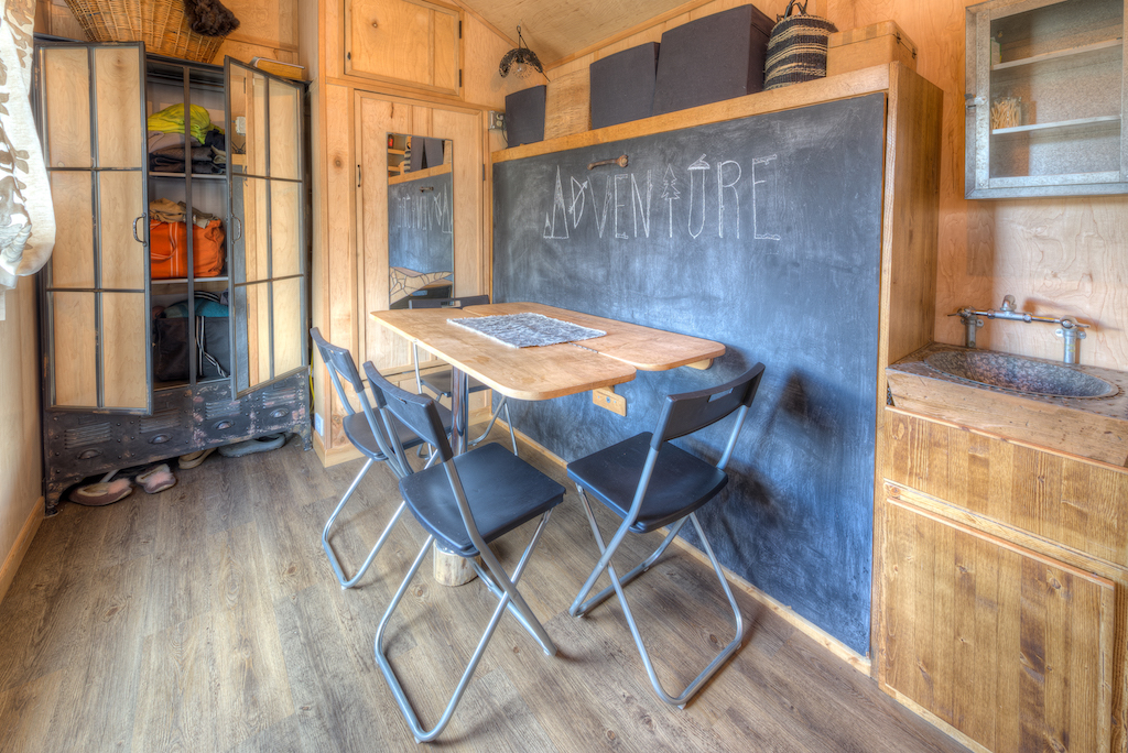 lewis-and-clarks-tiny-house-montana-4