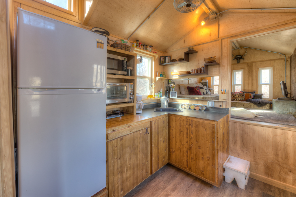 lewis-and-clarks-tiny-house-montana-5