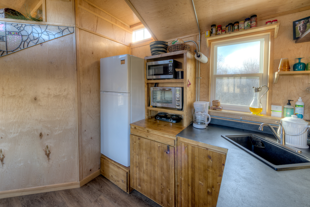 lewis-and-clarks-tiny-house-montana-7