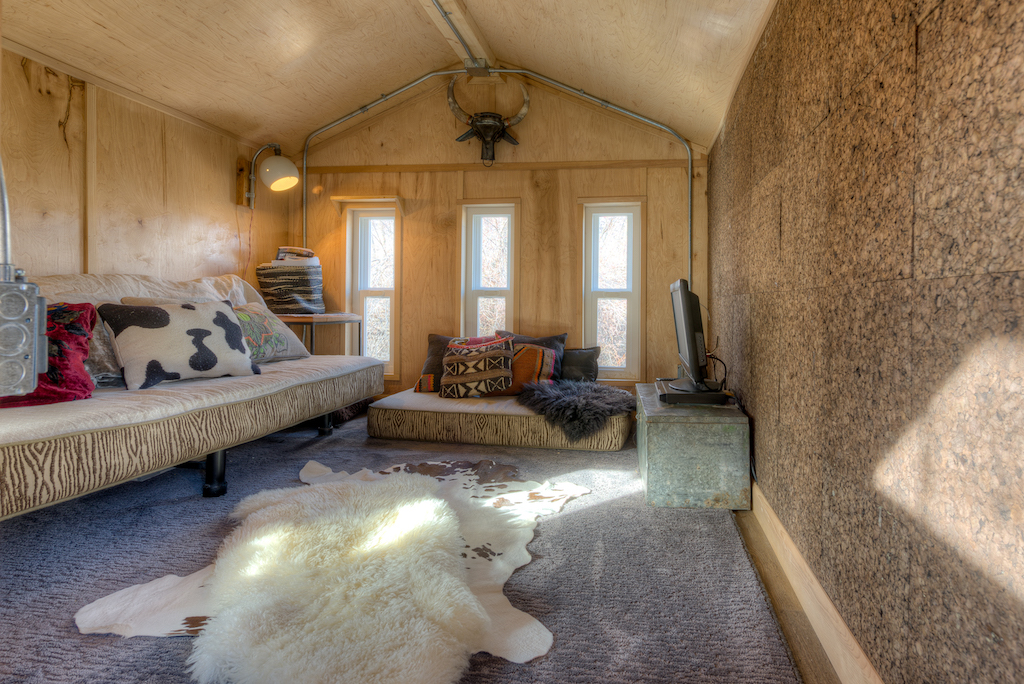 lewis-and-clarks-tiny-house-montana-9