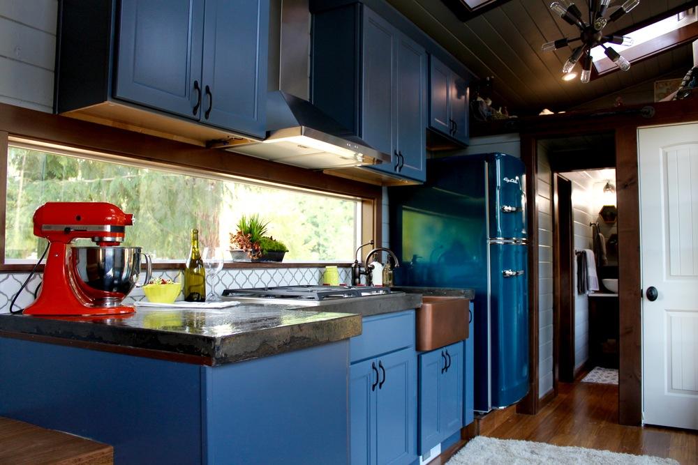 luxurious-tiny-heirmloom-custom-homes-2