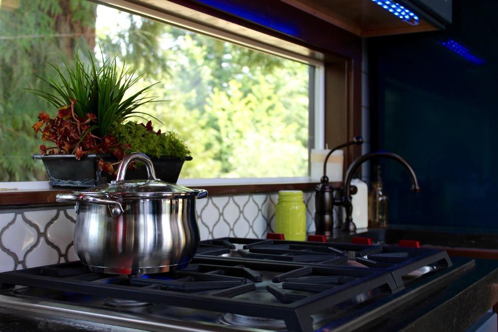 luxurious-tiny-heirmloom-custom-homes-4