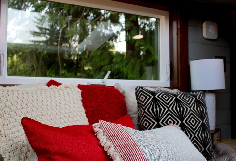 luxurious-tiny-heirmloom-custom-homes-6