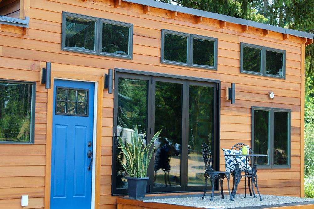 luxurious-tiny-heirmloom-custom-homes-8