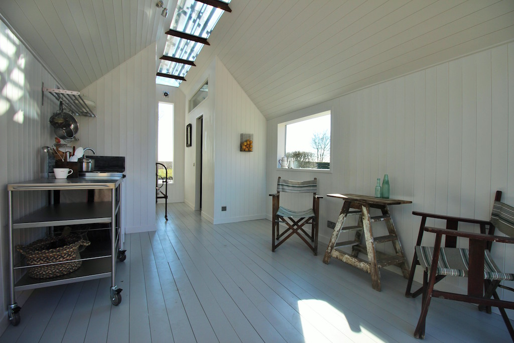 contemporary-shepherds-hut-6