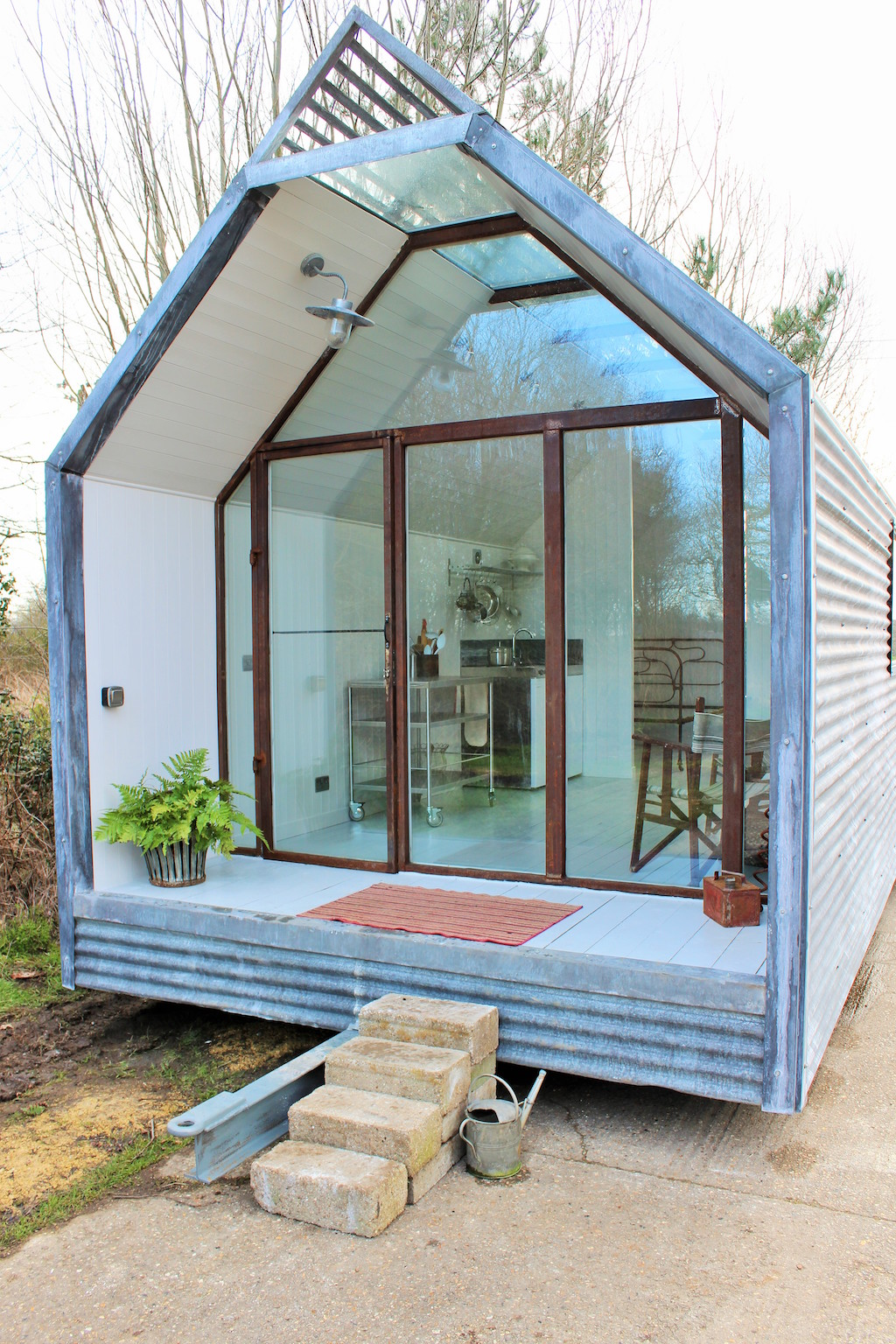 contemporary-shepherds-hut-8