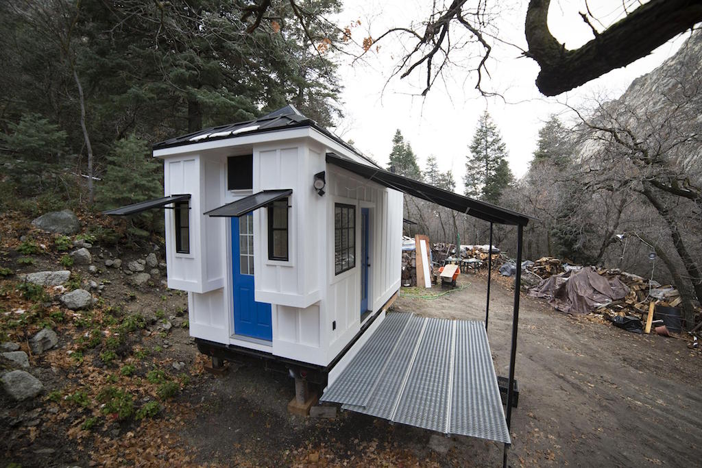 sandy tiny house
