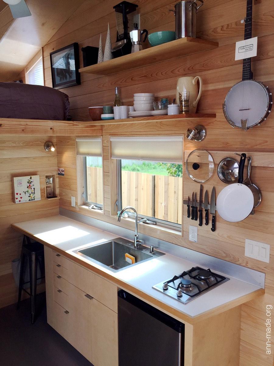 start-small-tiny-house-austin-texas-4