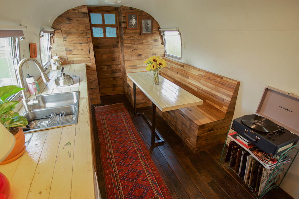 Backyard airstream tiny house swoon for Backyard guest room