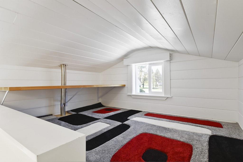 custom-tiny-tiny-living-homes-16