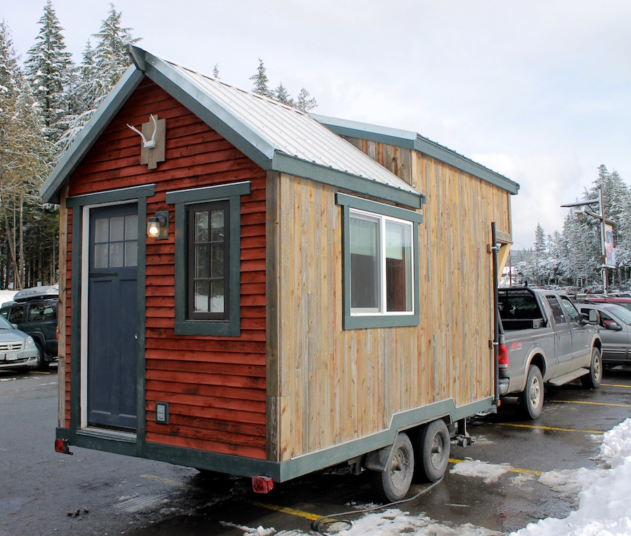 hand-crafted-tiny-house-9