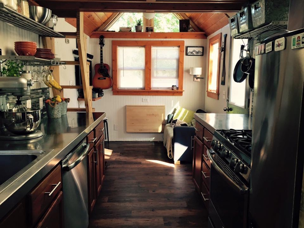 tiny-house-big-farm-4