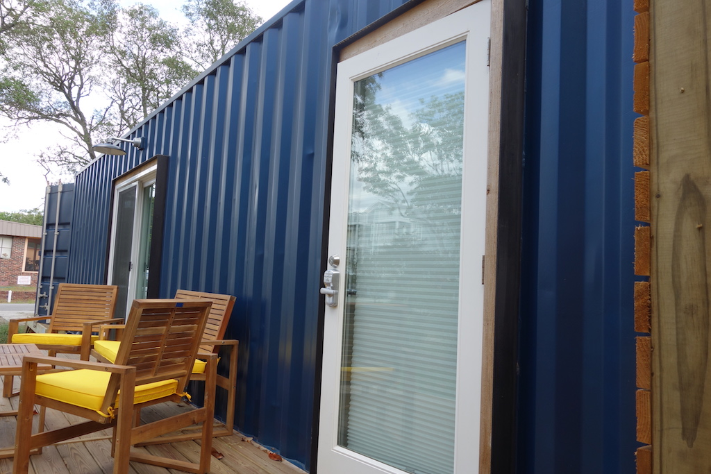 container-homes-airbnb-carolina-beach-nc-3