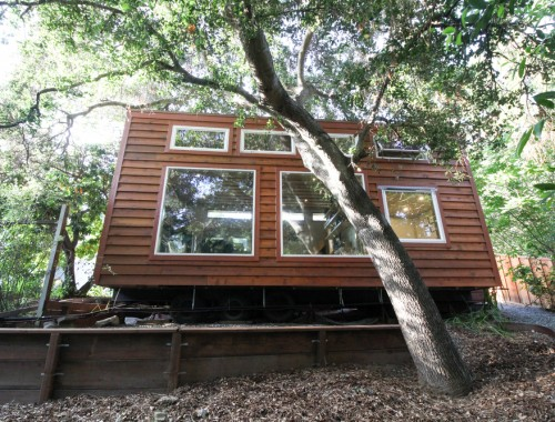urban-cabin-tiny-portable-cedar-homes-1