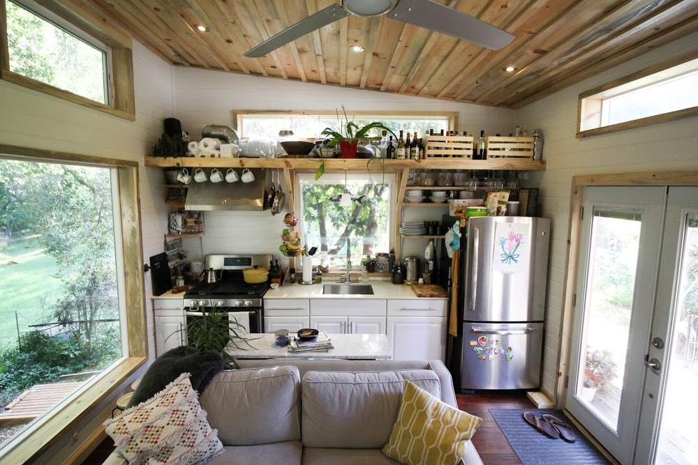 Urban cabin tiny house swoon for 400 sq ft home