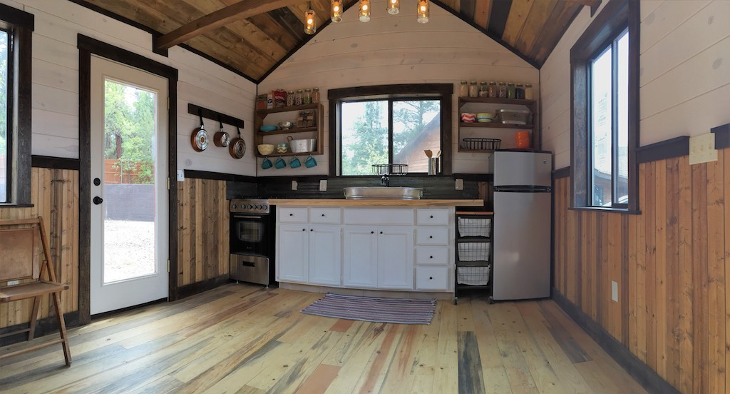 silver-creek-tiny-house-4