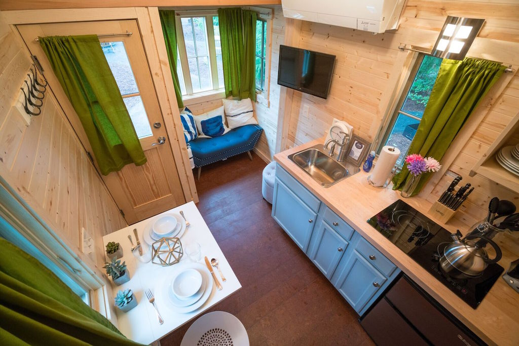 zoe-tiny-house-village-cypress-tumbleweed-mount-hood-11