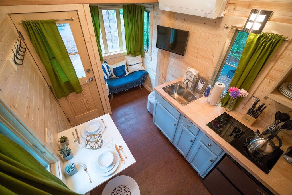 zoe-tiny-house-village-cypress-tumbleweed-mount-hood-11