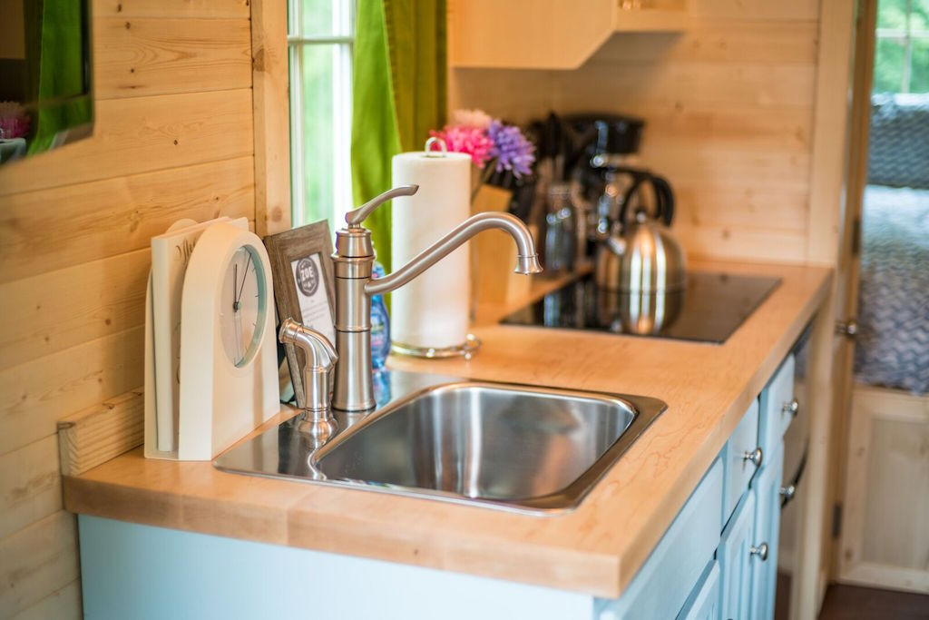 zoe-tiny-house-village-cypress-tumbleweed-mount-hood-4