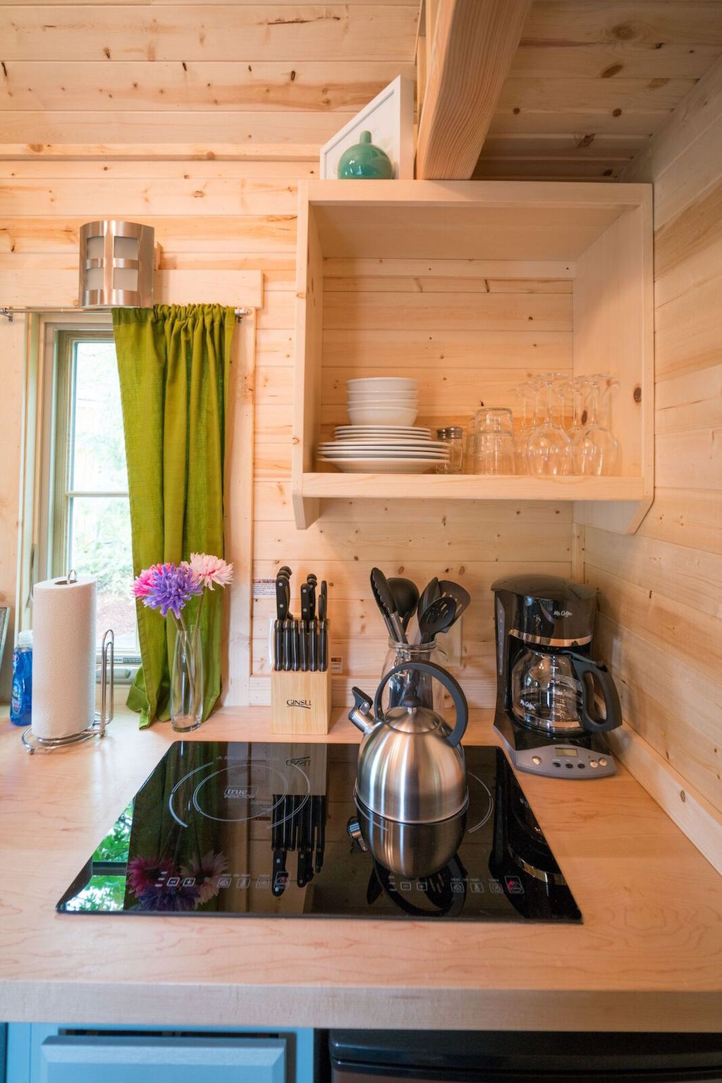zoe-tiny-house-village-cypress-tumbleweed-mount-hood-5