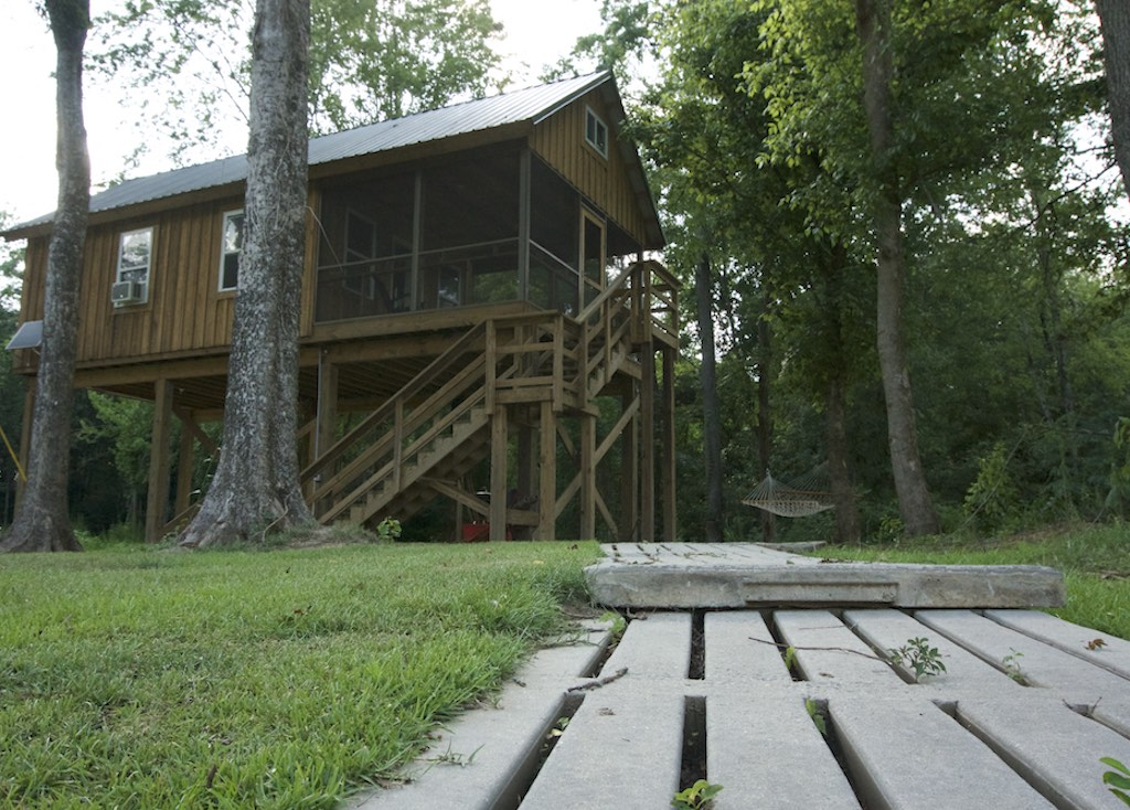 North Carolina Riverfront Cabin That Only Cost $8,000 to build